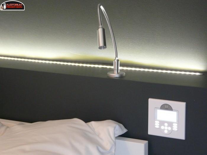 L 39 ipad contr le la maison audio vid o luminaire alarme - Tete de lit avec luminaire ...